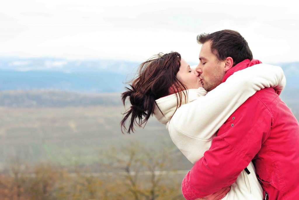 shutterstock 93379525Kissing red and white2 scaled